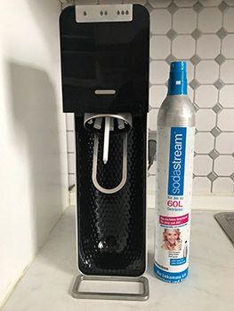 SodaStream Power mit CO2-Zylinder